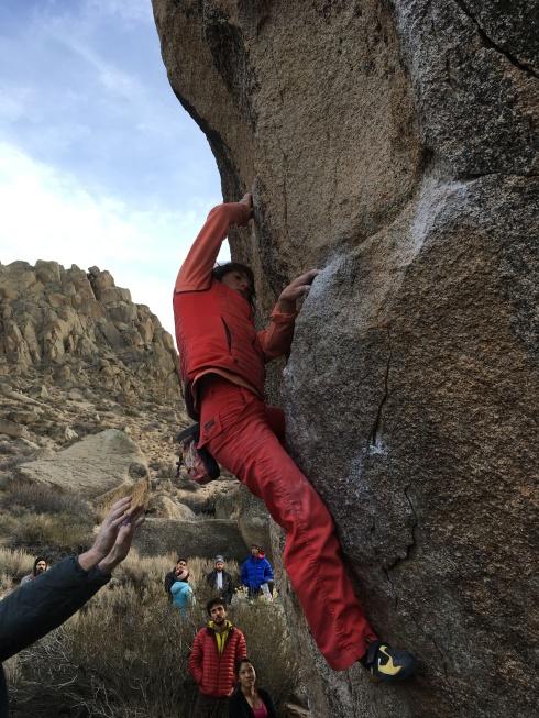 Katie-Lambert-Bouldering-Bishop-California-Mammut